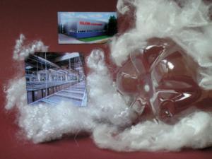 Z recyklovaných PET lahví vzniká měkké a hřejivé textilní vlákno, které nachází široké uplatnění v oděvnickém, nábytkářském a automobilovém průmyslu.