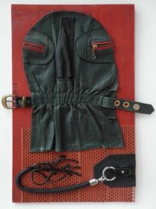 Rudolfovo číslo, kůže, kov, dřevo, plast, 2012, 56,5 x 35 cm