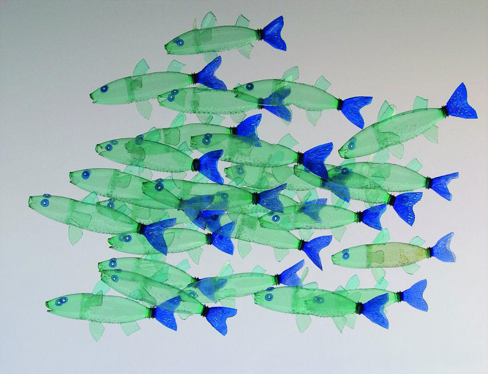 Veronika Richterová, PET-ART, pet lahev, umění z odpadu, recyklace, up-cycling, ryby, cípal