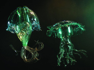 Veronika Richterová, PET-ART, pet lahev, umění z odpadu, recyklace, up-cycling, medůzy